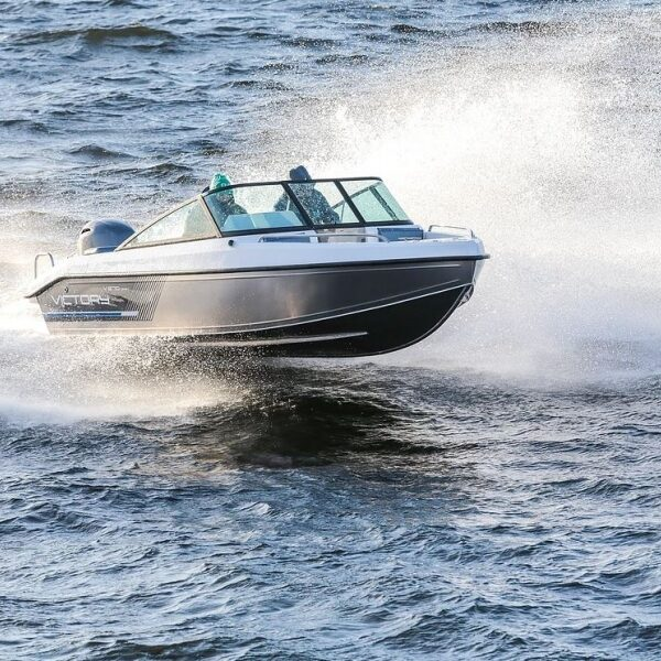 Victory 570 Open
